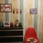 壁紙シール プレミアムウォールデコシート® お客様が人気ウッド柄でビフォー・アフター